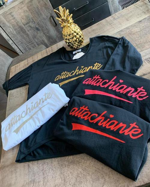 t-shirt attachiante