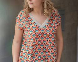 blouse motifs Clara