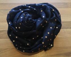 foulard étoiles bleu marine