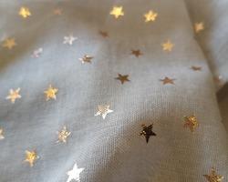 foulard étoiles gris