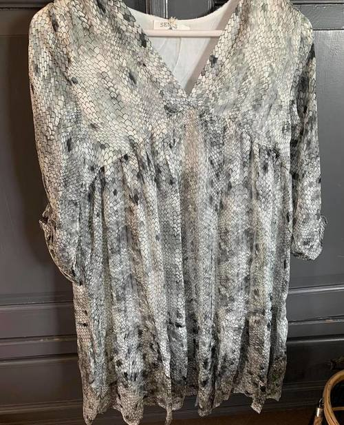 robe python grise