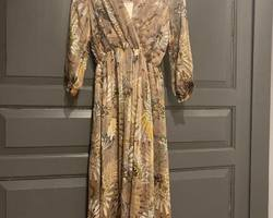robe taupe