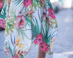 robe asymétrique tropique
